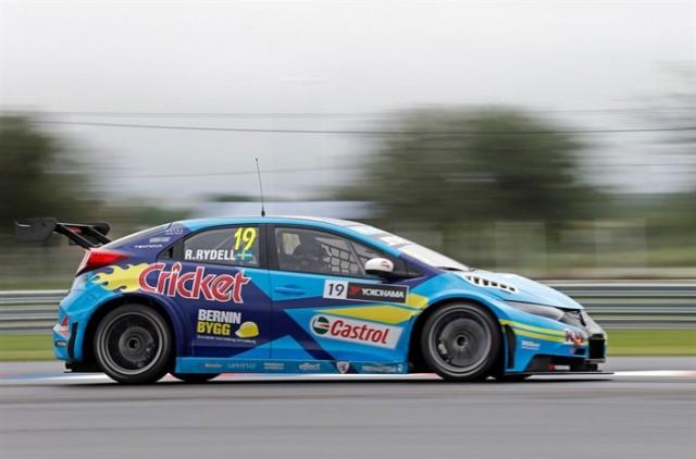 Argentinsk talang i två WTCC-starter med Honda Racing team Sweden
